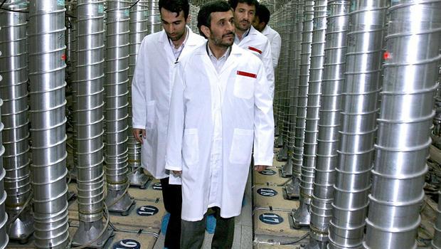 Mahmoud Ahmadinejad visits the Natanz Uranium Enrichment Facility