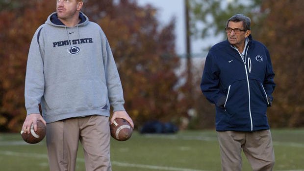 111109-McQueary_and_Paterno-AP1111090178760.jpg