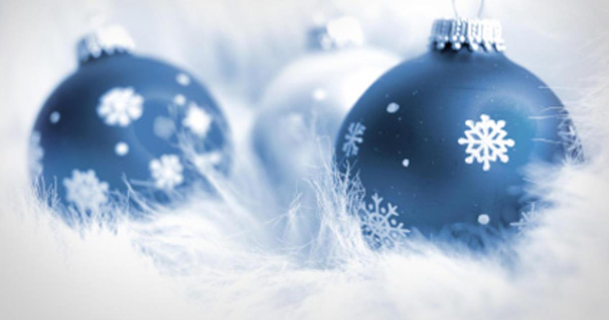 Snow flurries make for a white Christmas in Las Vegas  CBS News