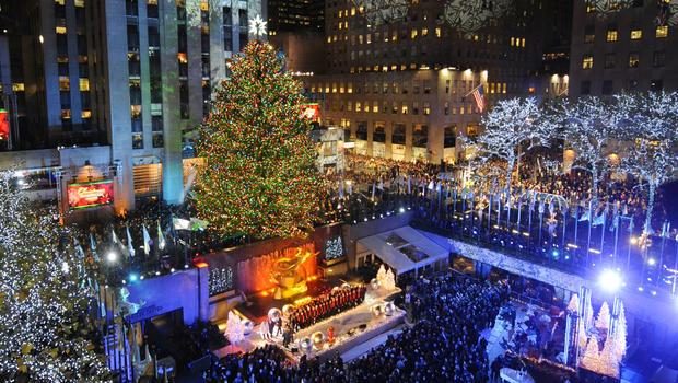 The Rockefeller Center Christmas tree lights up - CBS News