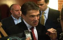"Perry: $10K is ""pocket change"" to Mitt Romney"