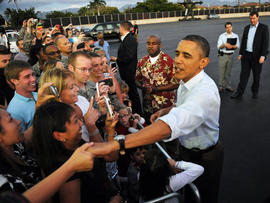 With tax cut resolved, Obama hits Hawaii for the holidays