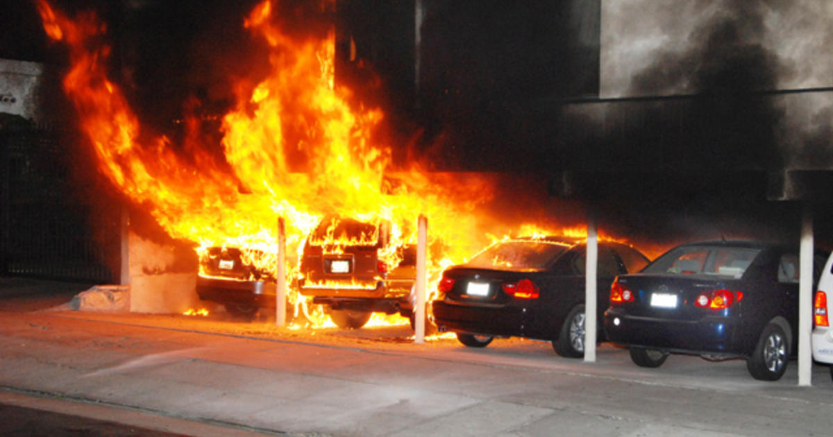 Cops Race To Stop Hollywood Area Arson Car Fires Cbs News