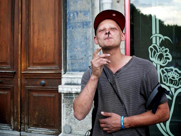 Is smoking marijuana bad for your lungs? - CBS News