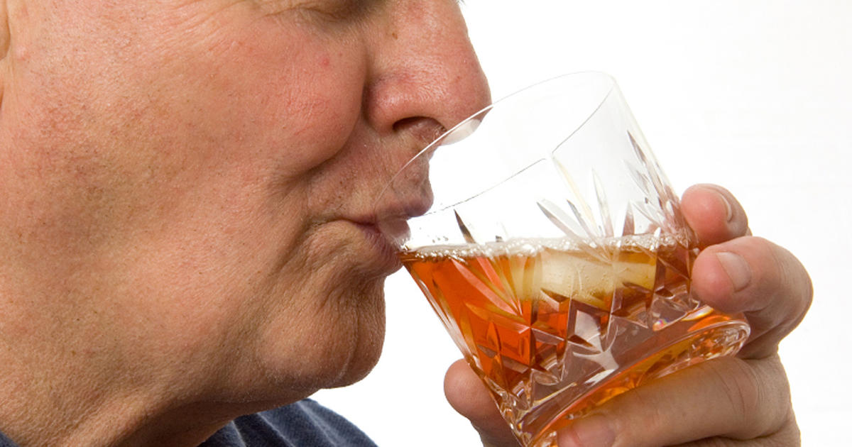 a study on the risks of alcoholism The study didn't identify a difference in the type of alcohol consumed, but the data indicated that men should not exceed two drinks per day and women should not go beyond one daily drink.