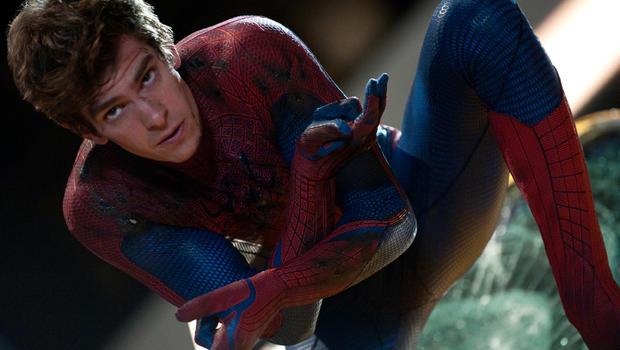 Andrew Garfield Soars Through Manhattan Skyline In The Amazing Spider Man