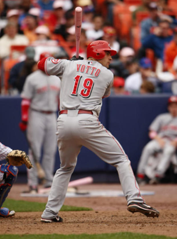 joey_votto_vertical_81122502.jpg