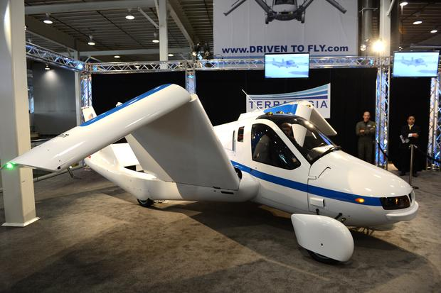 Terrafugia flying car debuts at NY Auto Show