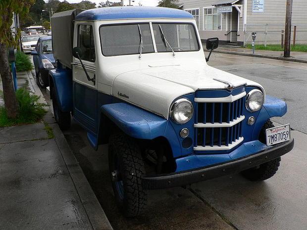 800px-Willys_1957_P1270690.jpg