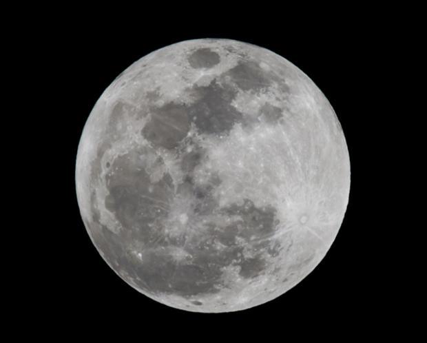 Moon_143942629.jpg