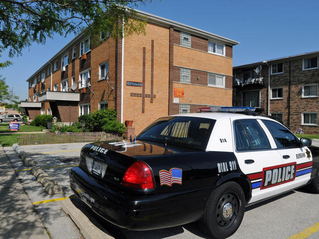 Groom sought after bride slain in Ill. apartment
