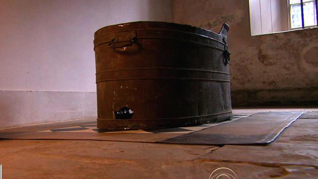 Mad King George IIIu0027s Tin Bathtub Unearthed In Royal Palace Restoration
