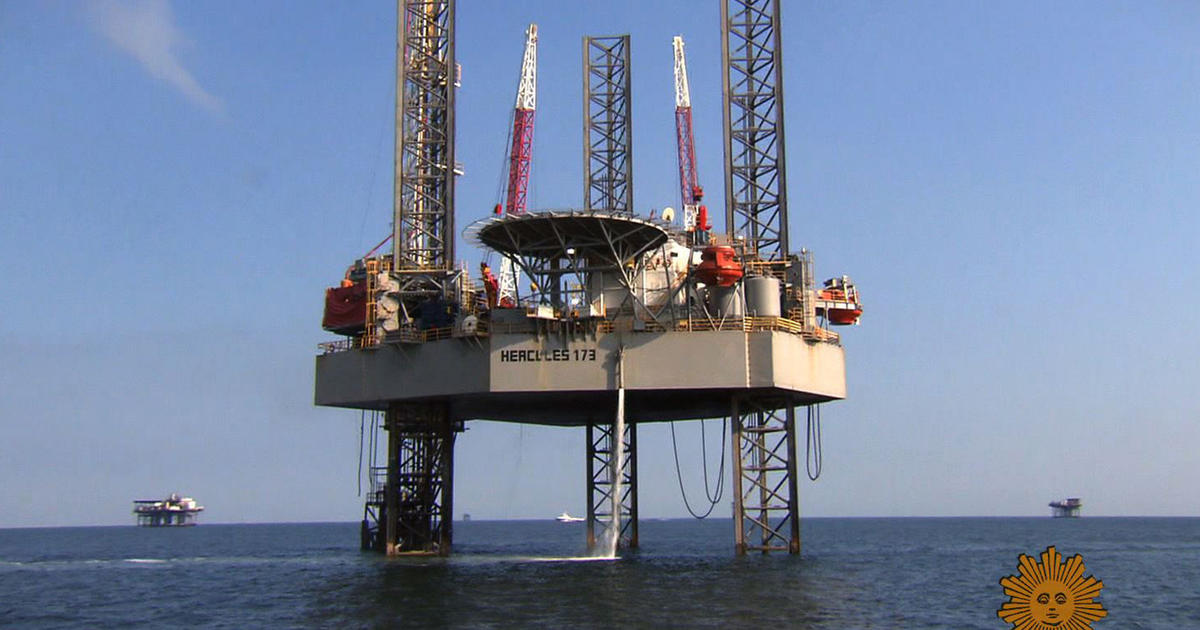 Offshore Oil Rig : Offshore oil rig island living but no paradise cbs news