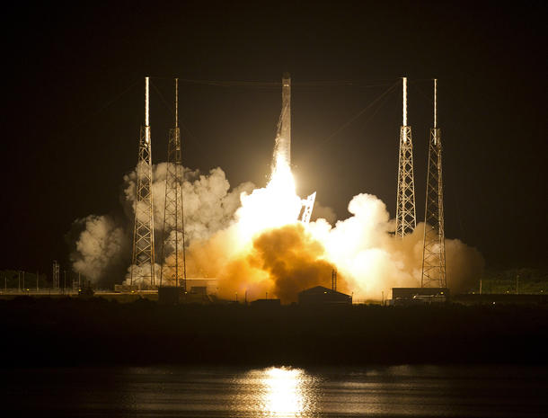 SpaceX rocket successfully launches