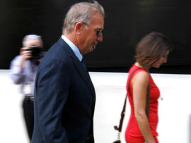 Actor Kevin Costner arrives at federal court in New Orleans June 4, 2012.