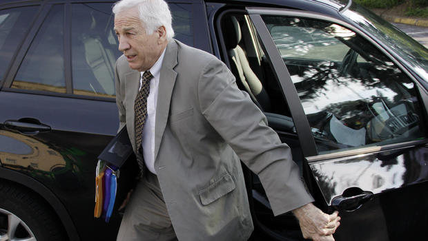 Jerry Sandusky arrives at the Centre County Courthouse for opening statements