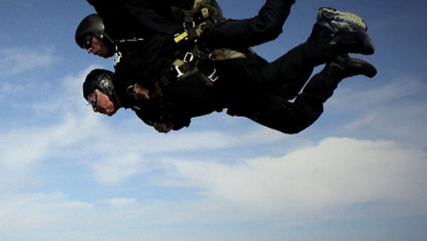 A dual-jump like this one killed David Winoker and his skydiving instructor Friday, authorities say