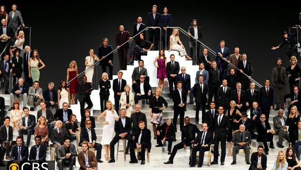 Top mark its 100th birthday, Paramount Studios got 116 of its stars together to take this historic photo.