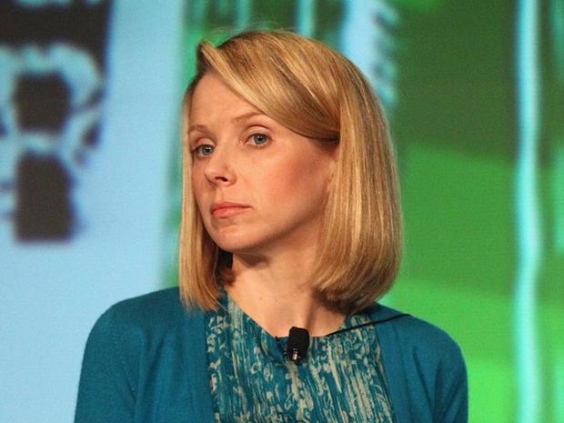 Yahoo CEO Marissa Mayer attempting to recruit Twitter