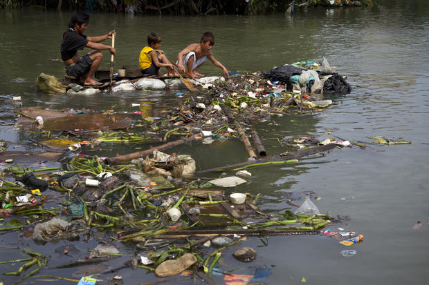 Cleanup in Manila after massive flood
