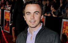 Frankie Muniz rocks out with indie act Kingsfoil