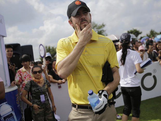 Stars hit the links at golf tournament