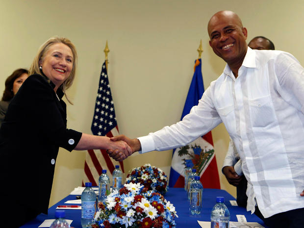 Hollywood helps Clintons in Haiti