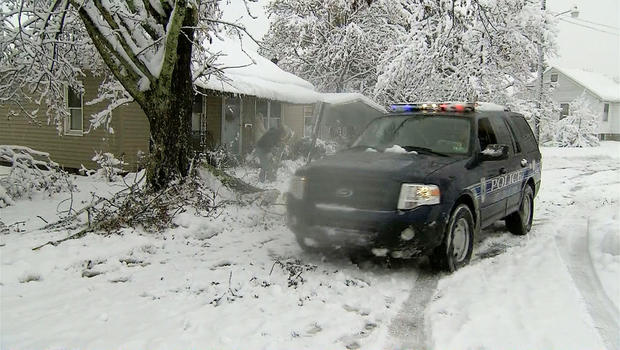 Superstorm Sandy snowfall shuts down W. Va. town