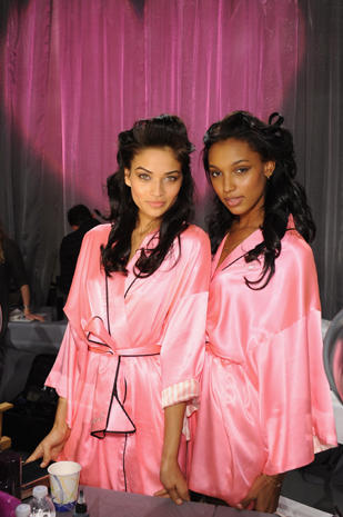 Victoria's Secret Fashion Show 2012: Backstage