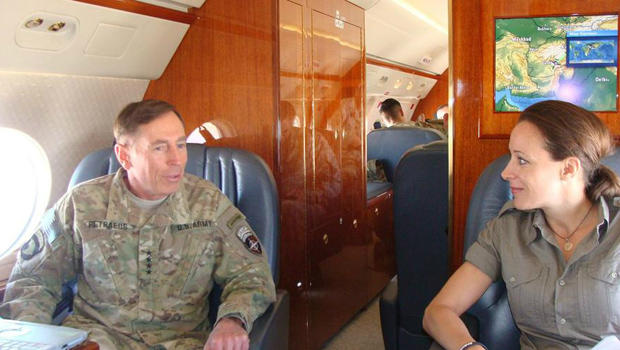 Facebook_Petraeus_620x.jpg
