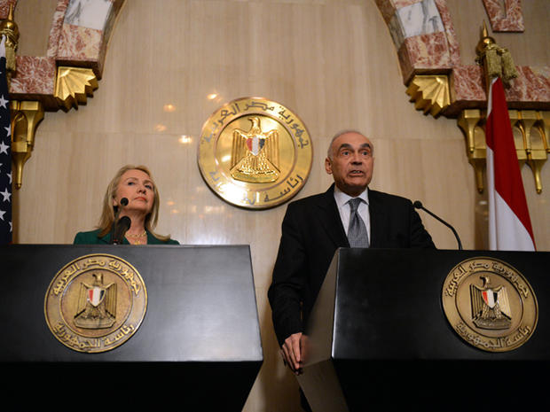 Egyptian Foreign Minister Mohamed Kamel Amr and U.S. Secretary of State Hillary Clinton