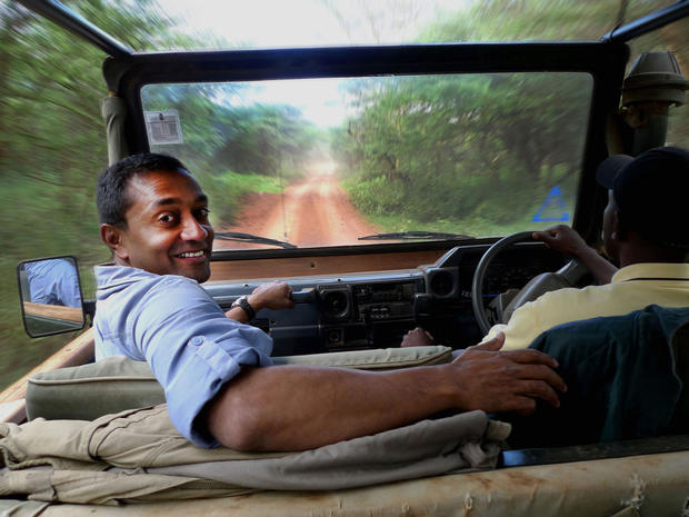 9_Sanjayan_in_land_Rover.jpg