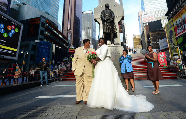 Couples flock to wed on 12.12.12