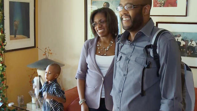 Portable artificial heart patients spend the holidays at home