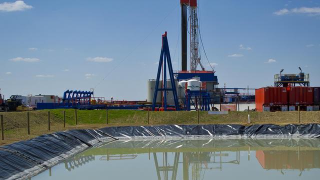 fracking_143087457.jpg