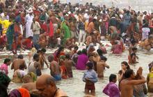 Hindu pilgrimage to the Ganges