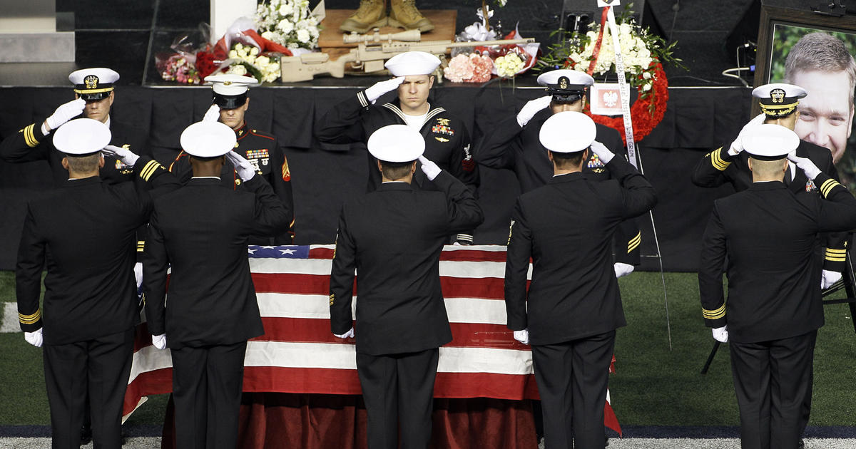 Ex-Navy SEAL's funeral procession ends in Austin - CBS News
