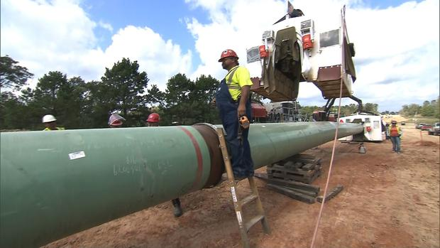 Construction on the Keystone XL oil pipeline