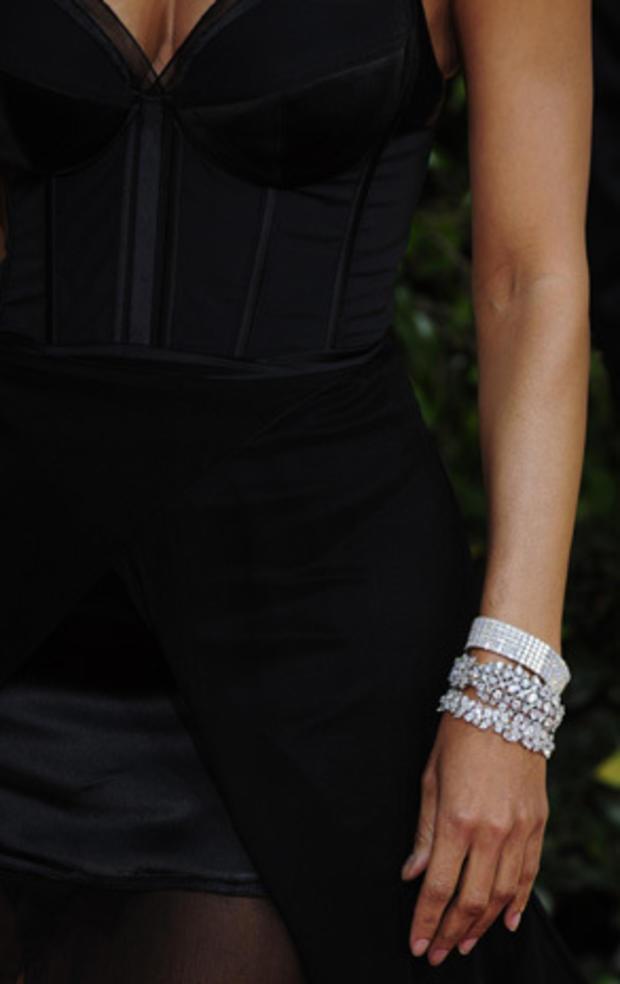 Jewelry_108084015.jpg