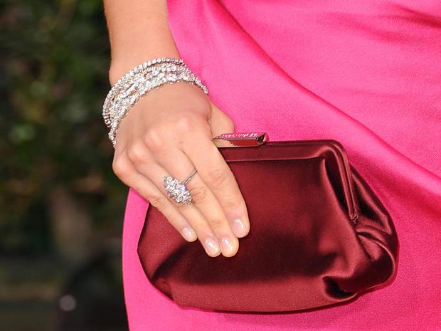 Jewelry_137126735.jpg