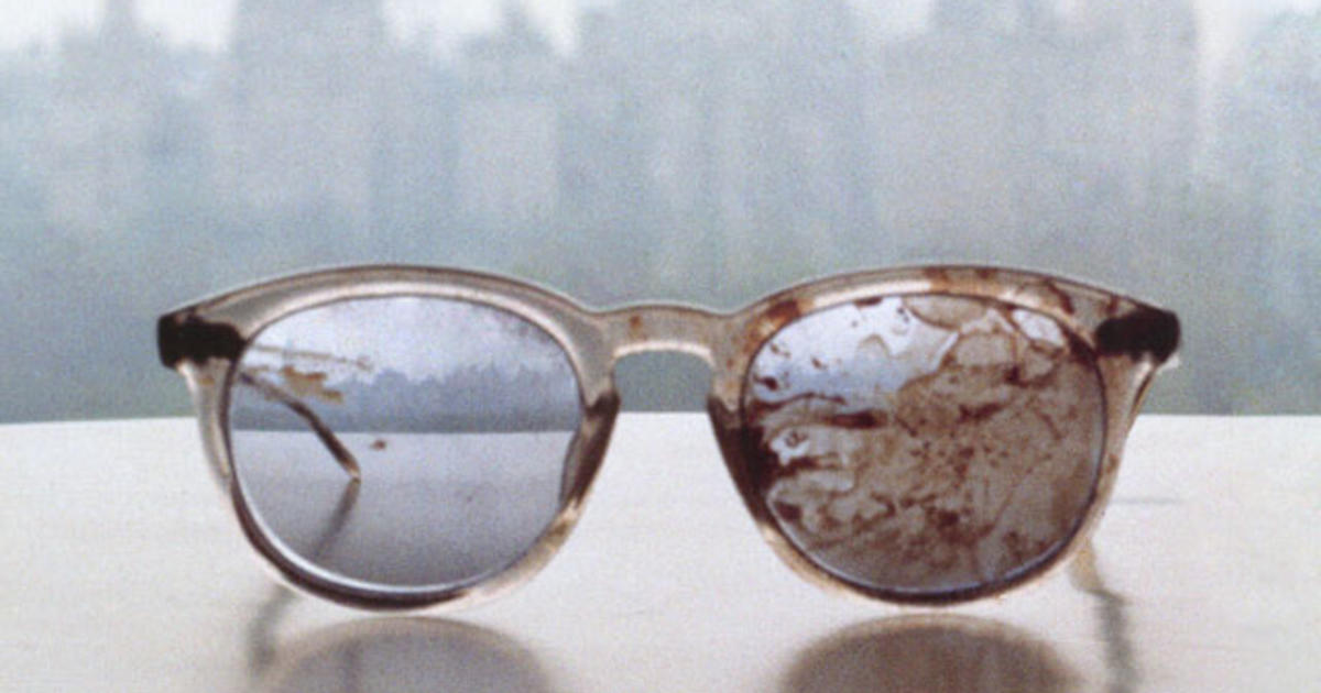Yoko Ono Tweets Photo Of Bloodied Lennon Glasses Cbs News