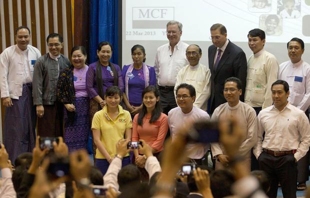 Google's Eric Schmidt in Burma