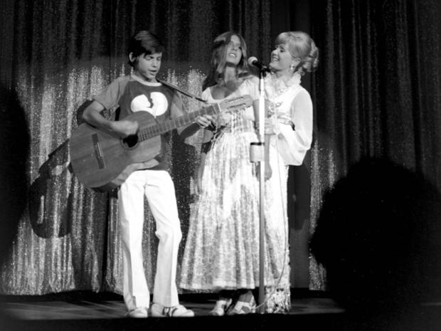 Reynolds_todd_carrie_onstage.jpg