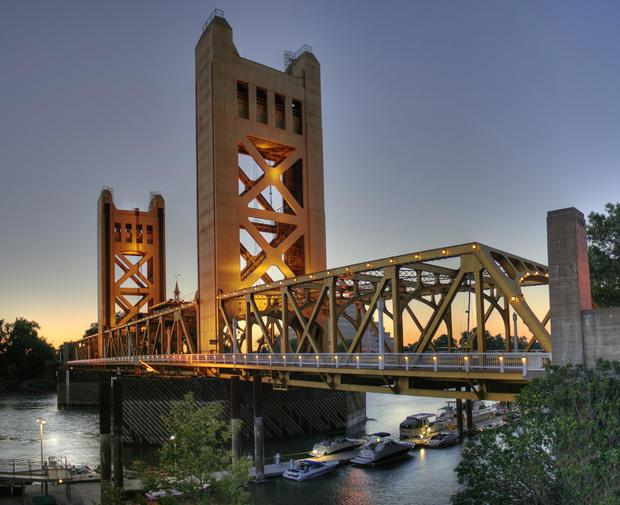 SacramentoTower_Bridge_Sacramento_edit.jpg