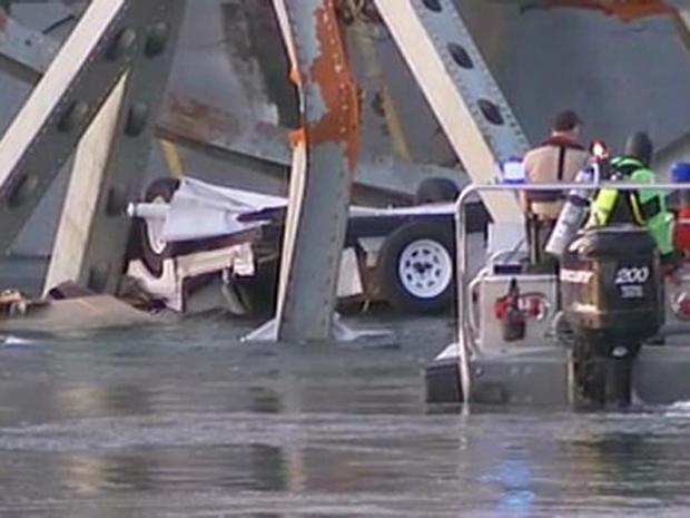 130523-Washington_bridge_collapse_1.jpg
