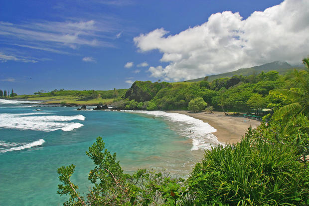 Happy Twitter users tweeted about the beaches of Hawaii.
