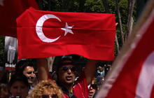 Rally outside White House in support of protesters in Turkey