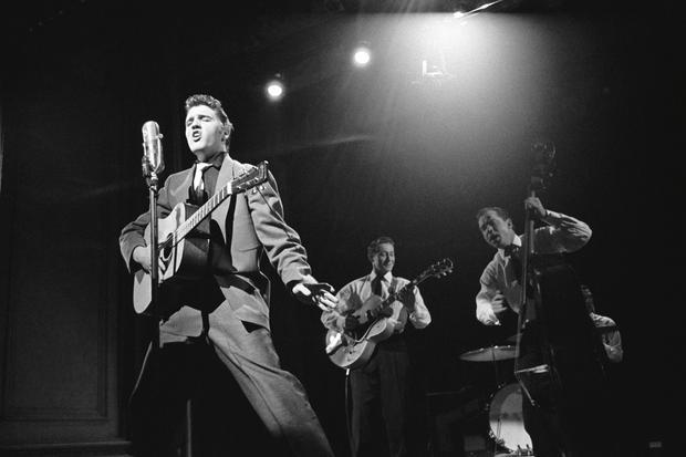 Elvis_stage.jpg