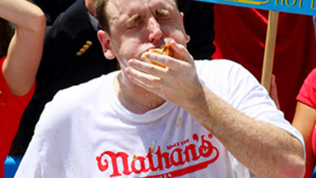 69 hot dogs in 10 minutes