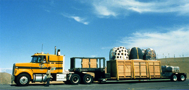 Kaneko_1997_Mission_Clay_Fremont_Project_Dangos_shipping_to_studio_from_kiln_in_California.jpg